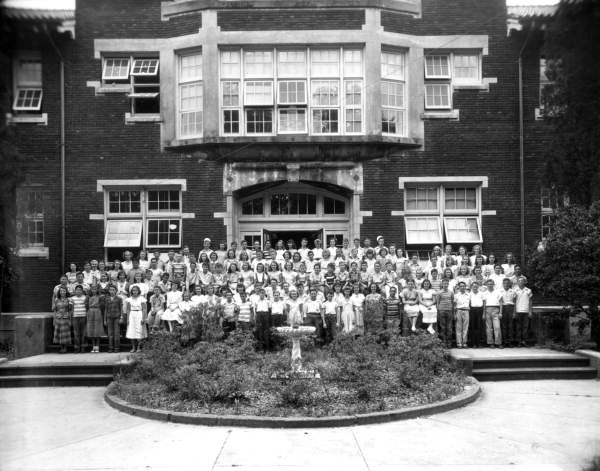 historic class portrait on steps of South Jacksonville Grammer School